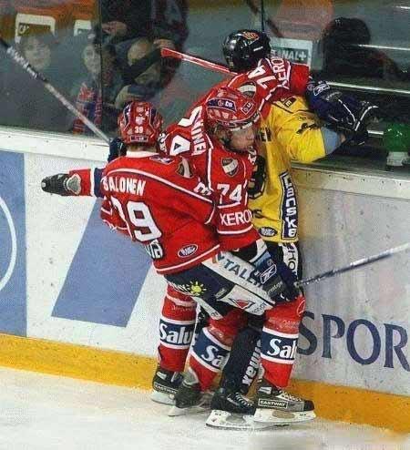 Хоккейные столкновения